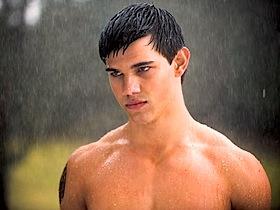 Taylor Lautner est Jacob Black dans Twilight