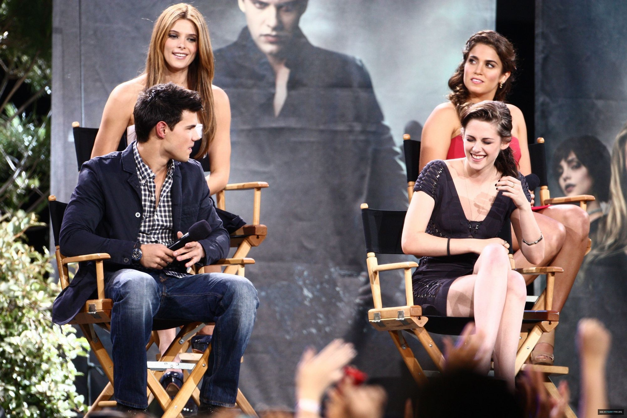 Kristen Stewart, Taylor Lautner, Nikki Reed & Ashley ...