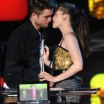 Photos Robert Pattinson & Kristen Stewart baisé MTV Movie Awards 2010 21